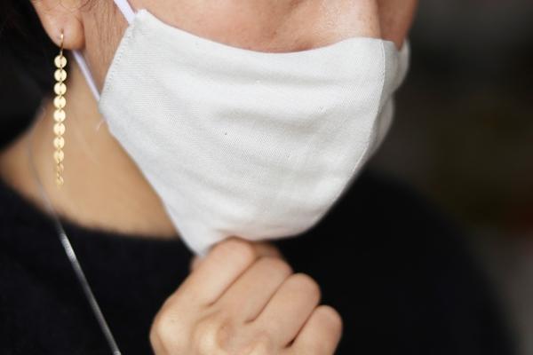 再入荷いたしました!シルクガーゼのマスク